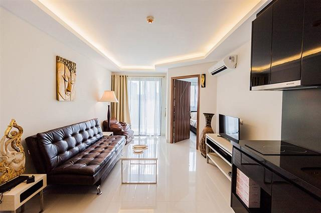 Club Royal Wongamat - 1BR for sale