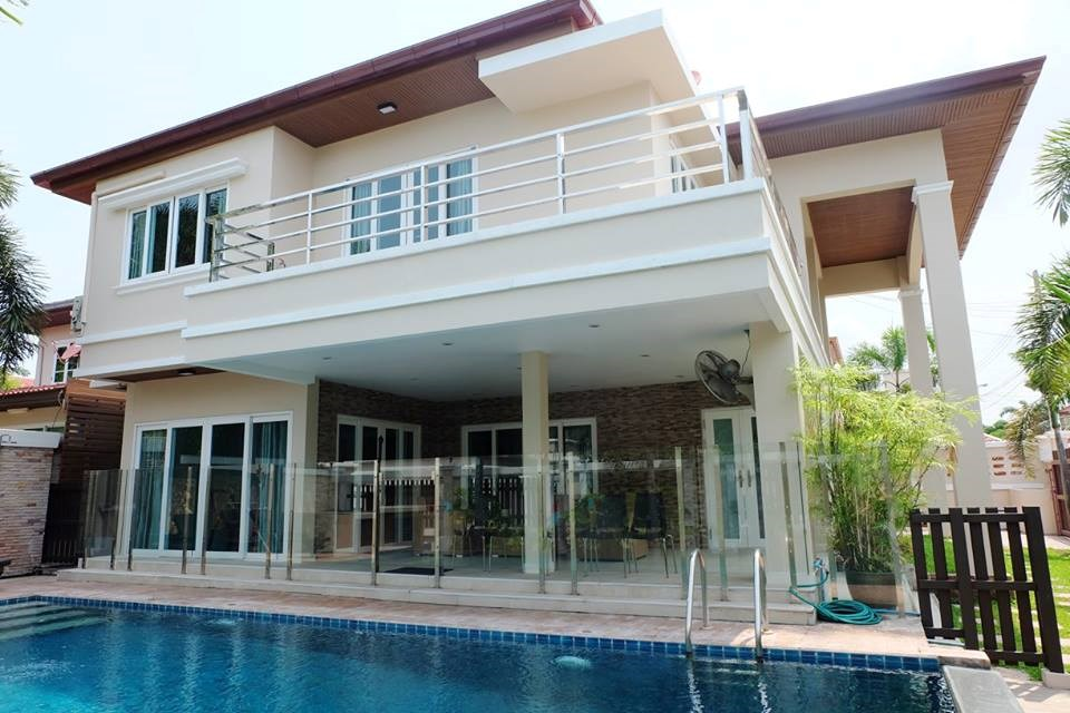 3 bedroom european house with pool house soi 89 for 3 bedroom house with pool